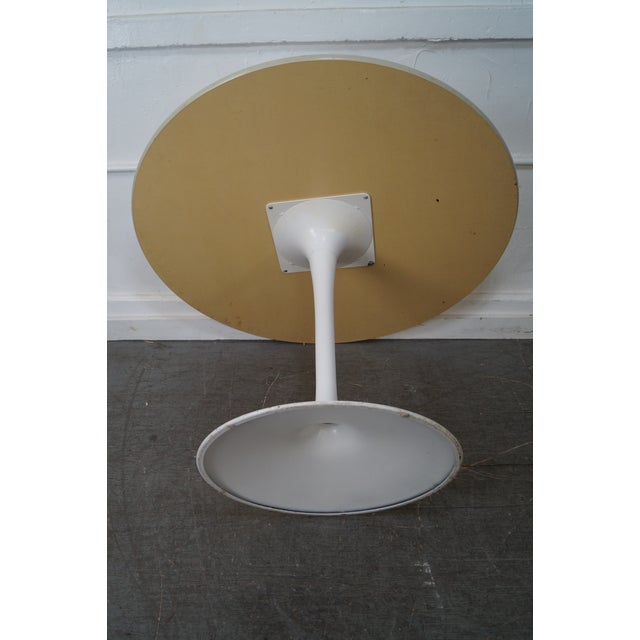 Mid-Century Round Tulip Base Saarinen Style Dining Table by Burke For Sale - Image 7 of 10