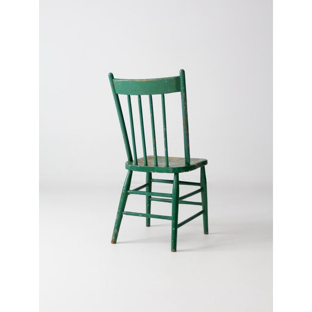 https://chairish-prod.freetls.fastly.net/image/product/sized/0b0c0308-7b5d-484b-bf34-097173f37116/antique-green-wood-spindle-back-chair-4027?aspect=fit&width=640&height=640