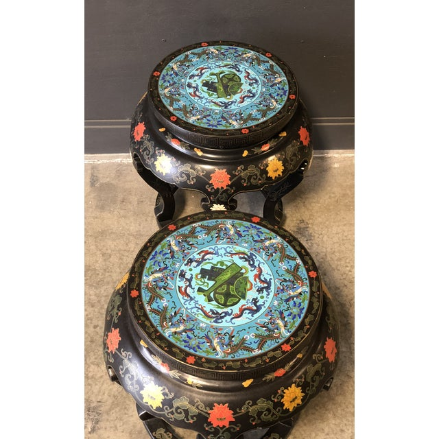 1920s 1920's Chinese Round Black Lacquered Side Tables With Blue Cloisonné Tops For Sale - Image 5 of 10