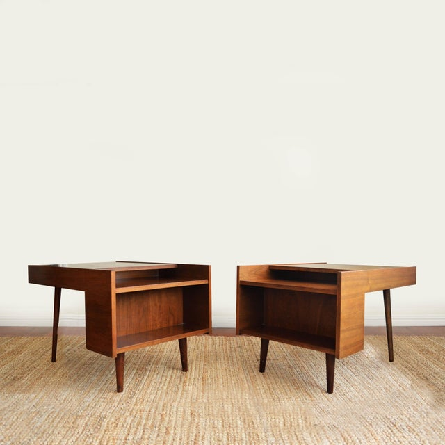 Walnut Vintage Milo Baughman Side Tables for Glenn of California- Set of 2 For Sale - Image 7 of 7