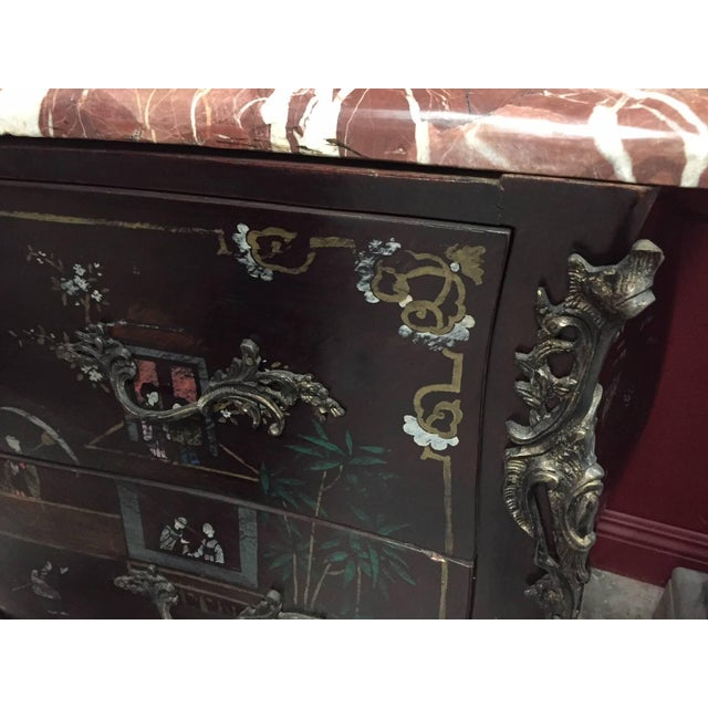 Metal Pair of Louis XV Style Chinoiserie Marble-Topped Commodes For Sale - Image 7 of 13