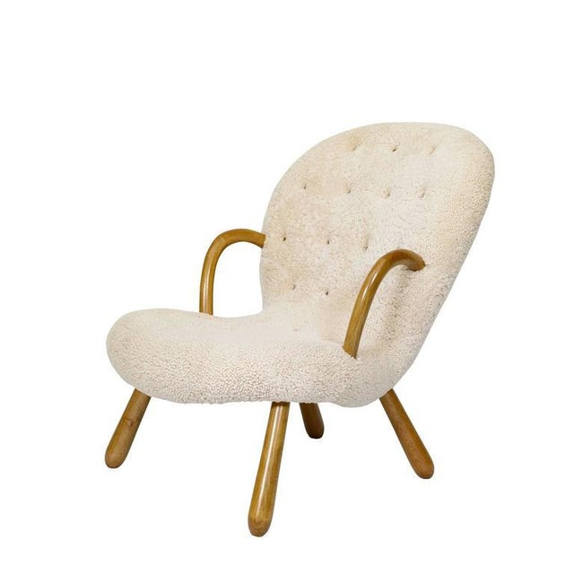 "Mid-Century Modern Pair of Philip Arctander ""Clam"" Chairs For Sale - Image 3 of 10"