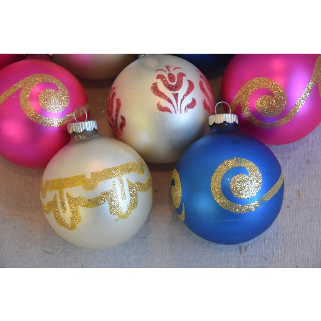 Mid 20th Century Vintage Colorful Christmas Ornaments W/Box - Set of 9 For Sale - Image 5 of 8