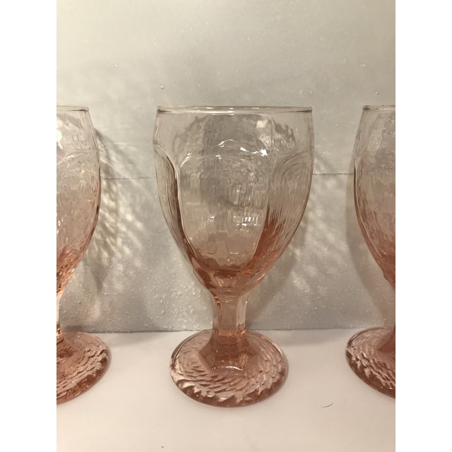 1980s Libbey Rock Sharpe Chivalry Pink Textured Water Goblets - Set of 12 For Sale In Sacramento - Image 6 of 8