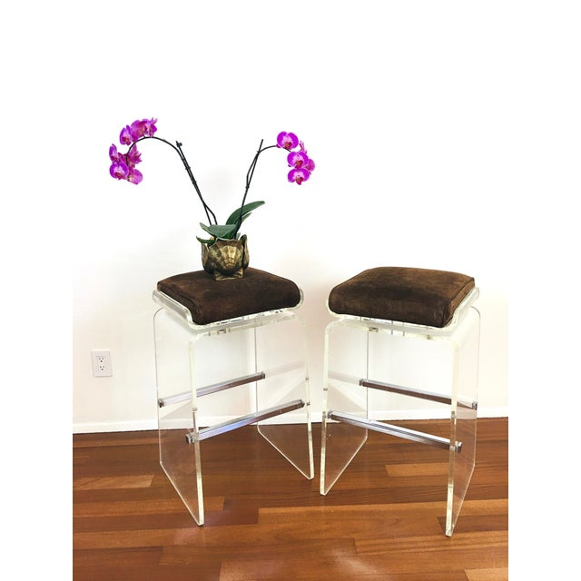 1970s Charles Hollis Jones Attributed Waterfall Lucite Swivel Bar Stools / Chairs, Set of 4 For Sale - Image 9 of 12