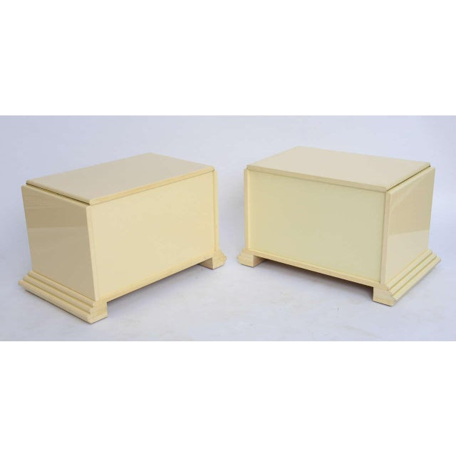 Rougier 1970s Mid-Century Modern Rougier Cream Lacquer Bedside Tables - a Pair For Sale - Image 4 of 9
