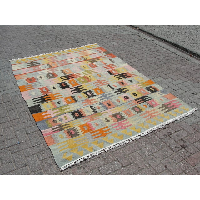 "Boho Chic Vintage Turkish Kilim Rug - 5'6"" x 8'1"" For Sale - Image 3 of 11"