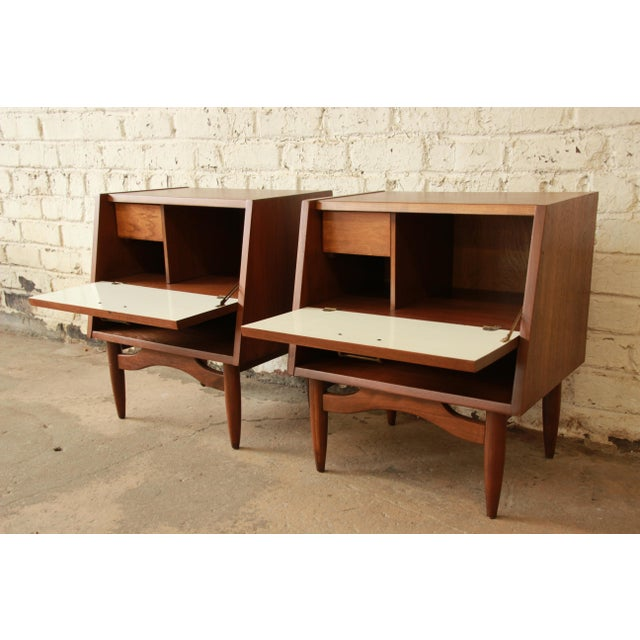 Brass Merton Gershun Mid-Century Modern Walnut Nightstands - Pair For Sale - Image 7 of 11
