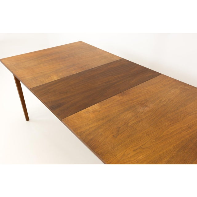 Brown Mid Century Modern Dillingham Espirit Dining Table For Sale - Image 8 of 13