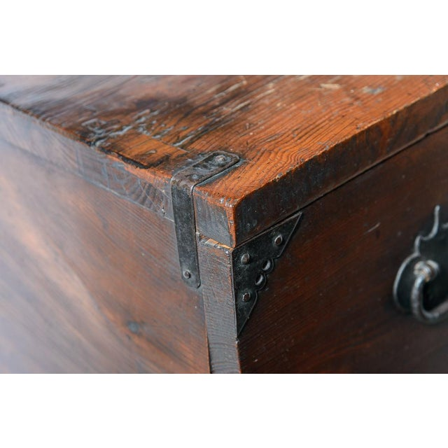 """Early 19th Century Japanese """"Tansu"""" Chest For Sale - Image 4 of 9"""