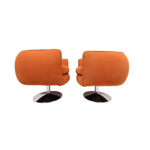 Beautifully designed, Pair of mid century Milo Baughman style swiveling lounge chairs. Also attributed to Adrian Pearsall....