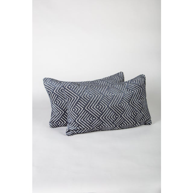 """20"""" X 12"""" Pollack Tipping Point Cut Velvet Pillows, Pair For Sale In Raleigh - Image 6 of 6"""