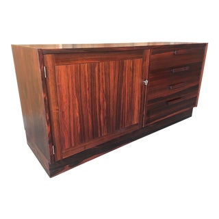 20th Century Scandinavian Modern Rosewood Credenza For Sale
