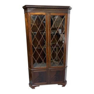 Early 19th Century Fine George III Mahogany Corner Cupboard For Sale