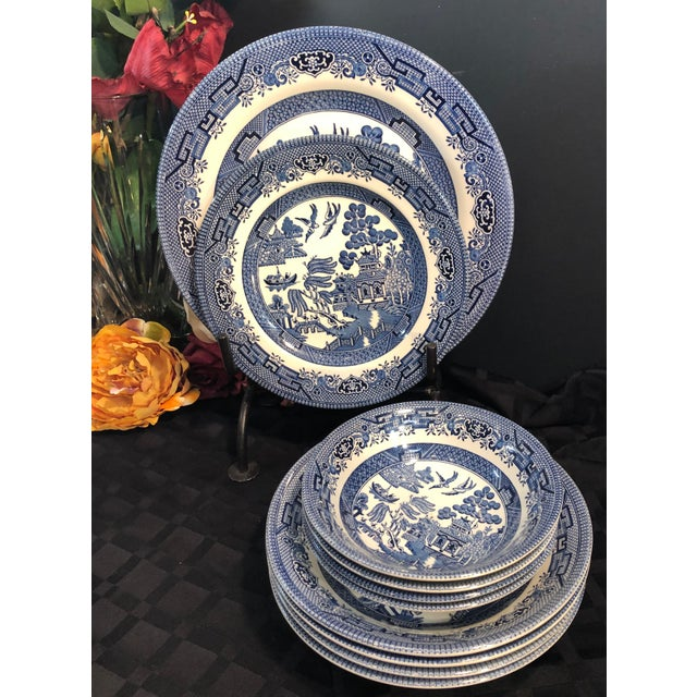 Traditional English Churchill Blue Willow Dinner, Bread, Salad Plates, Soup, Cereal Bowls - 20 Pieces For Sale - Image 12 of 13