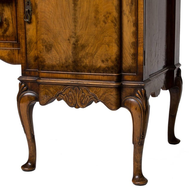 Brown 19th Century English Walnut Serving Sideboard For Sale - Image 8 of 11