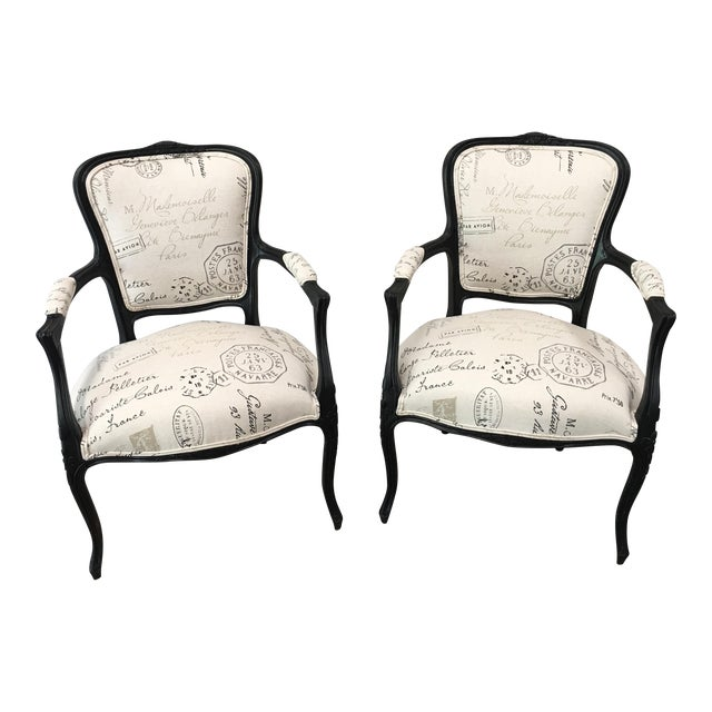 1910s French Antique Louis XV Style White Linen Arm Chairs - a Pair For Sale