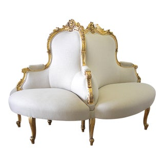 Antique Louis XV Style Giltwood Tete a Tete Settee Upholstered in Natural Linen For Sale