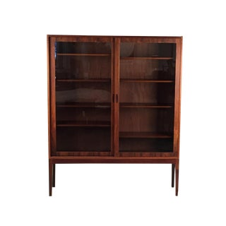 1960s Danish Modern Rosewood and Glass Display Cabinet For Sale