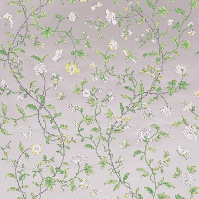 Schumacher Sample - Schumacher Floraison Wallpaper in Citron Shimmer For Sale - Image 4 of 4
