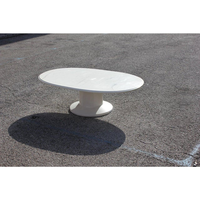 French 1960s French Modern White Resin Oval Coffee Table For Sale - Image 3 of 13