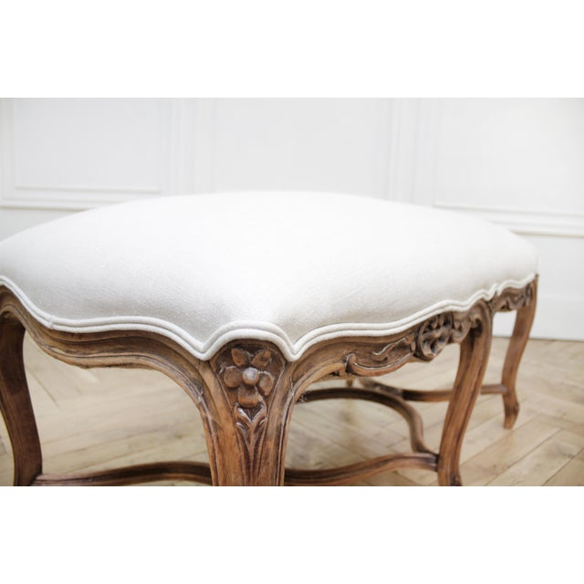 Mid 20th Century Antique French Louis XV Style Bench Upholstered in Irish Linen For Sale - Image 10 of 12