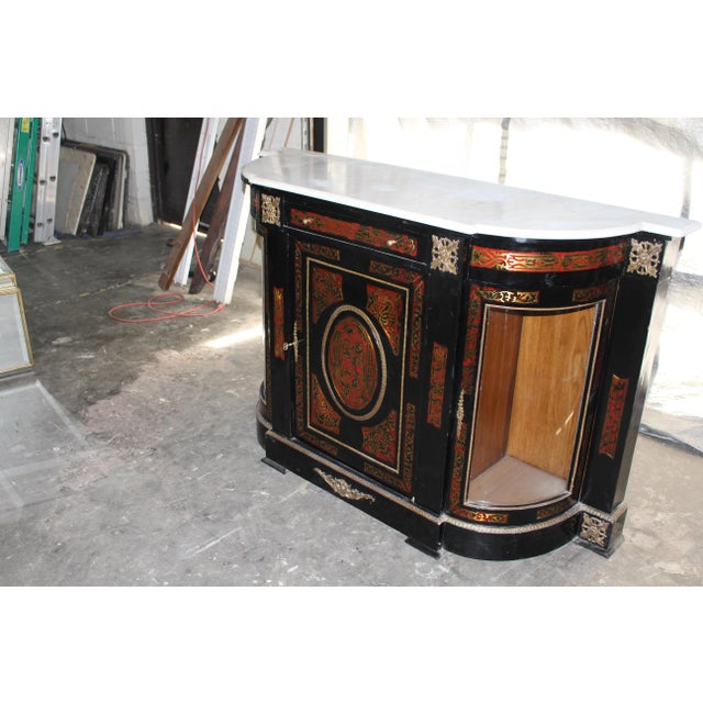 20th Century Louis XVI Boulle Glass Door Cabinet With Marble Top For Sale In Atlanta - Image 6 of 9