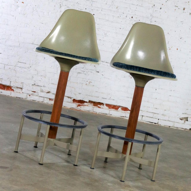 Mid 20th Century Pair of Burke Swivel Bar Stools Mid Century Modern Fiberglass Shell and Upholstered Seat Pads For Sale - Image 5 of 13
