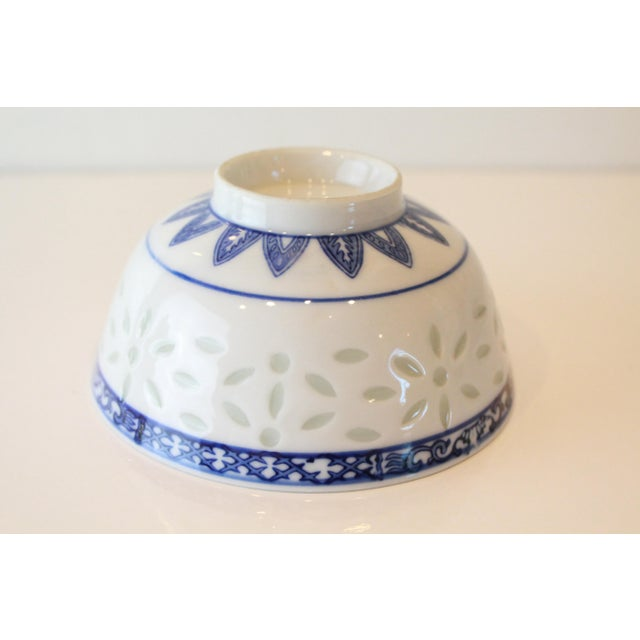 Single blue and white Chinese porcelain cobalt bowl with exquisite modern floral detail.