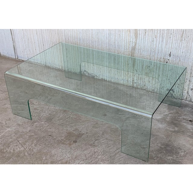 1960s 20th Century Mid-Century Modern Rectangular Curved Glass Coffee Table For Sale - Image 5 of 11