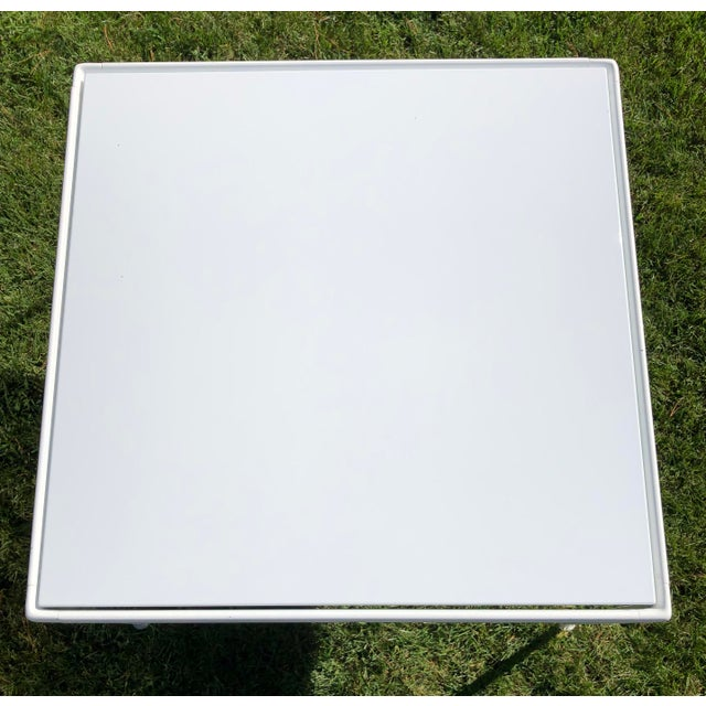 Mid-Century Modern Richard Schultz 1966 Collection Porcelain Outdoor Table For Sale - Image 3 of 5