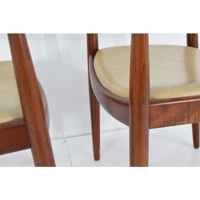 1950s Pair of Hans Wegner Round Chairs For Sale - Image 5 of 8