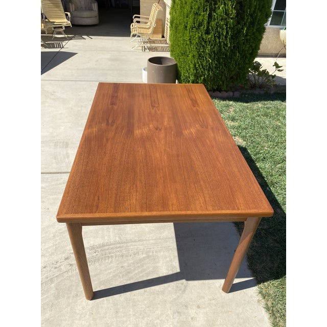 1950s Mid-Century Modern Teak Dining Table For Sale In Los Angeles - Image 6 of 9