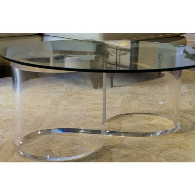 Mid-Century Modern Lucite & Glass Coffee Table For Sale - Image 4 of 4