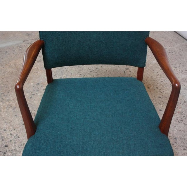 Pair of Danish Modern Sculptural Teak Armchairs For Sale In New York - Image 6 of 10