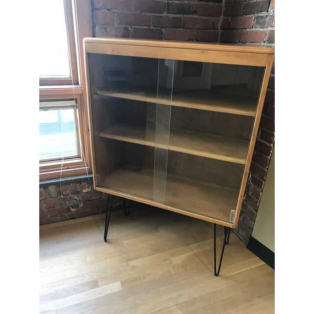 Heywood Wakefield Display Cabinet With Hairpin Legs - Image 3 of 4