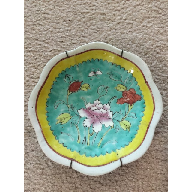 Ceramic 1930's Chinese Ceramic Painted Plates - a Pair For Sale - Image 7 of 9