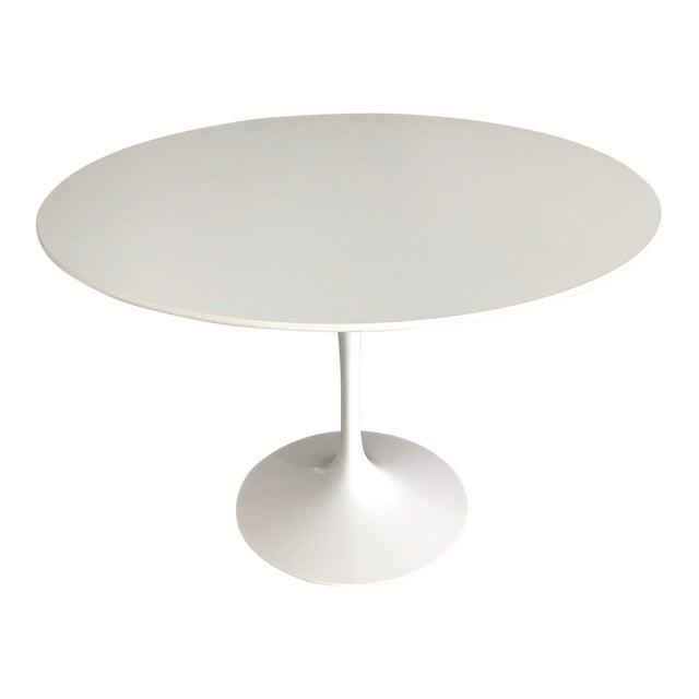 "Mid-Century Modern Eero Saarinen 42"" Pedestal Table For Sale"