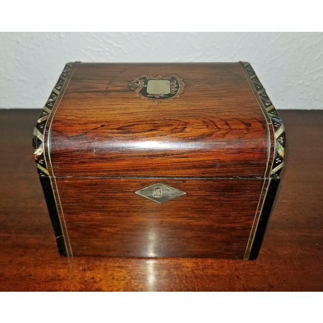 Early 19c Irish Mahogany Single Tea Caddy With Armorial Crest For Sale - Image 13 of 13