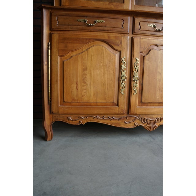 Ethan Allen 1990s Vintage Ethan Allen Legacy China Cabinet For Sale - Image 4 of 12
