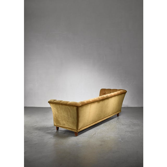 Mid-Century Modern Otto Schulz Tufted Golden Yellow Plush Three-Seater Sofa, Sweden For Sale - Image 3 of 5
