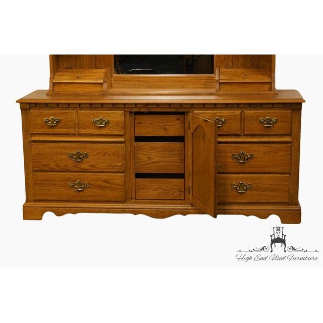Late 20th Century Vintage Thomasville Furniture Salem Tavern Collection Dresser & Mirror For Sale - Image 9 of 12