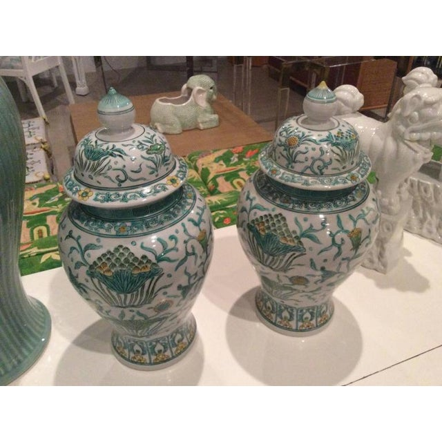 White Vintage Green Asian Oriental Greek Key Hollywood Regency Ginger Jars - a Pair For Sale - Image 8 of 11