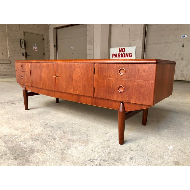 1960s Mid Century Danish Modern Teak Bow Front Low Credenza Sideboard Media Console Cabinet Curved Front For Sale - Image 5 of 9