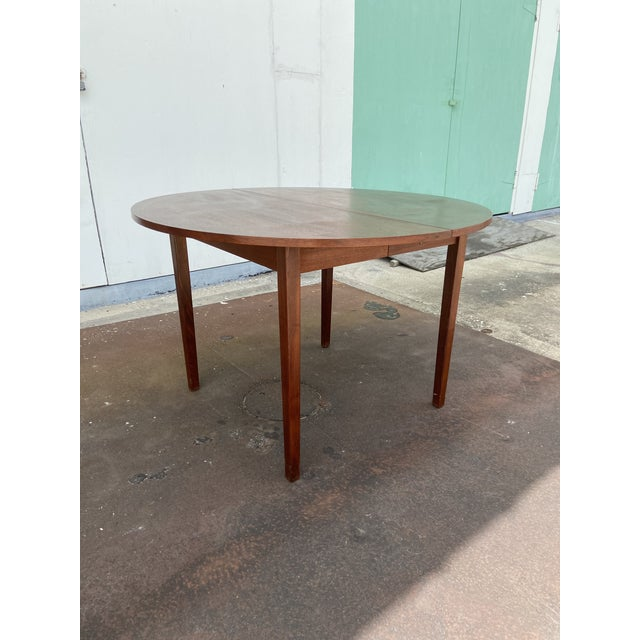 Mcm Round Dining Table With 2 Leaves Chairish