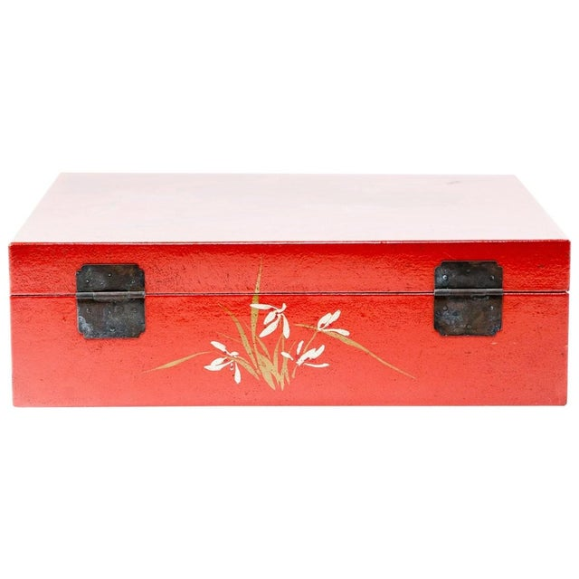 2010s Asian Modern Lawrence & Scott Hand-Painted Water Buffalo Leather Box on Hongmu Stand For Sale - Image 5 of 9