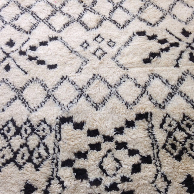 Authentic Moroccan Beni Ourain Rug - 5′5″ × 8′9″ - Image 6 of 6