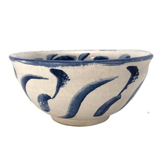 Mid-Size White Studio Pottery Serving Bowl With Blue Decoration For Sale