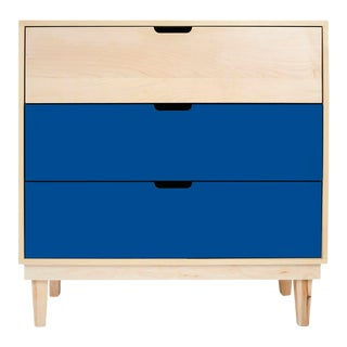 Nico & Yeye Kabano Modern Kids 3-Drawer Dresser Solid Maple and Maple Veneers Pacific Blue For Sale
