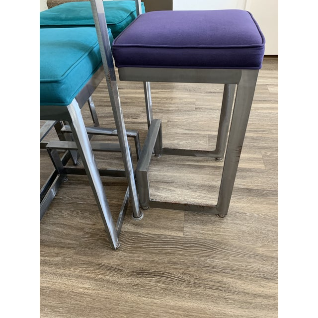 1970s Chrome and Glass High-Top Table & 4 Stools - 5 Pieces For Sale In Los Angeles - Image 6 of 12